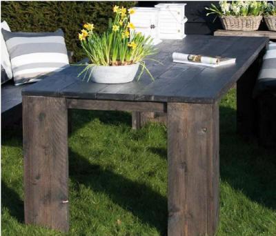 Bouwtekeningen voor een tuintafel van steigerhout for Zelf tafel maken