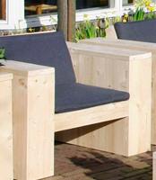 Zelf een houten tuinstoel maken met eenvoudige bouwtekeningen.