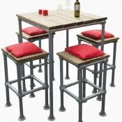 Barkruk en hoge tafels voor barkrukken om van steigerbuis te maken.