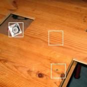 Onder het tafelblad van deze pallettafel is een geheime opbergruimte.