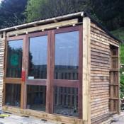 Tuinhuisje bouwen met hout van pallets bouwtekening for Zelf huis bouwen kostprijs