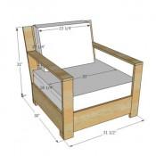 Zelfgemaakte stoel van pallets op een gratis bouwtekening.