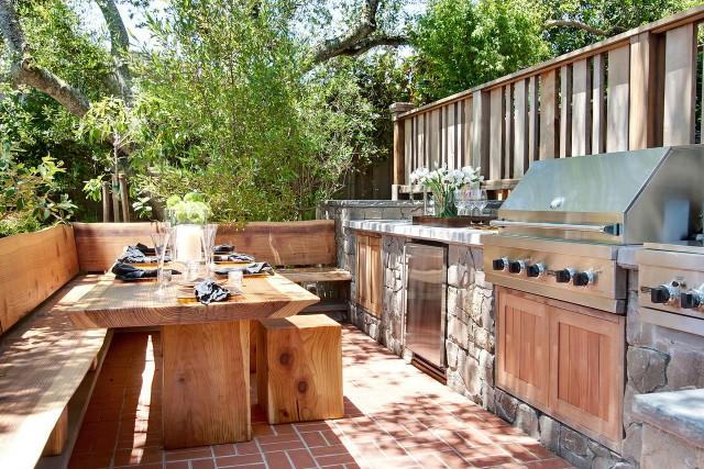 Buitenkeuken Bouwen : Outdoor Kitchen Table and Bench